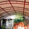 Изготовление навеса из профнастила во дворе частного дома. Примыкающий и отдельный