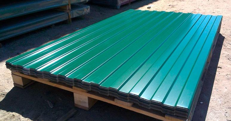 Профлист зеленого цвета марки С8 стандартные размеры